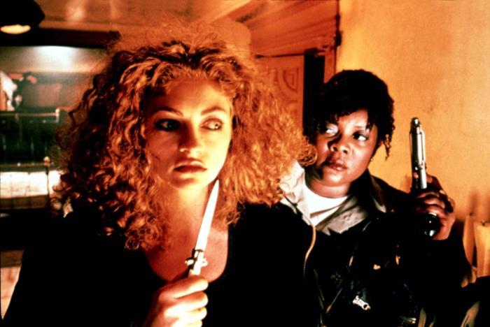 URBAN LEGEND, Rebecca Gayheart, Loretta Devine, 1998