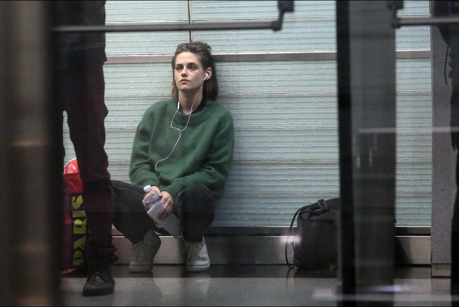 Ce-jeudi-Kristen-Stewart-a-emprunte-la-ligne-14-du-metro-parisien-ici-station-Olympiades-pour-le-film-Personal-Shopper-d-Olivier-Assayas